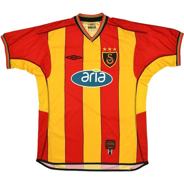 2002-03 Galatasaray Maglia Home M (Top)