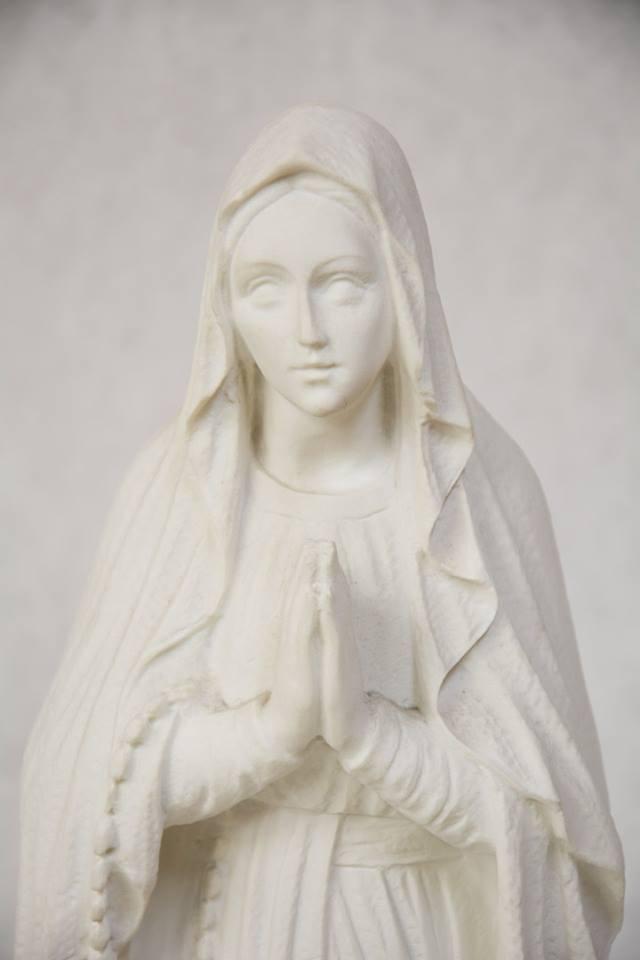 Statua Madonna di Lourdes in polvere di marmo DEC35-50