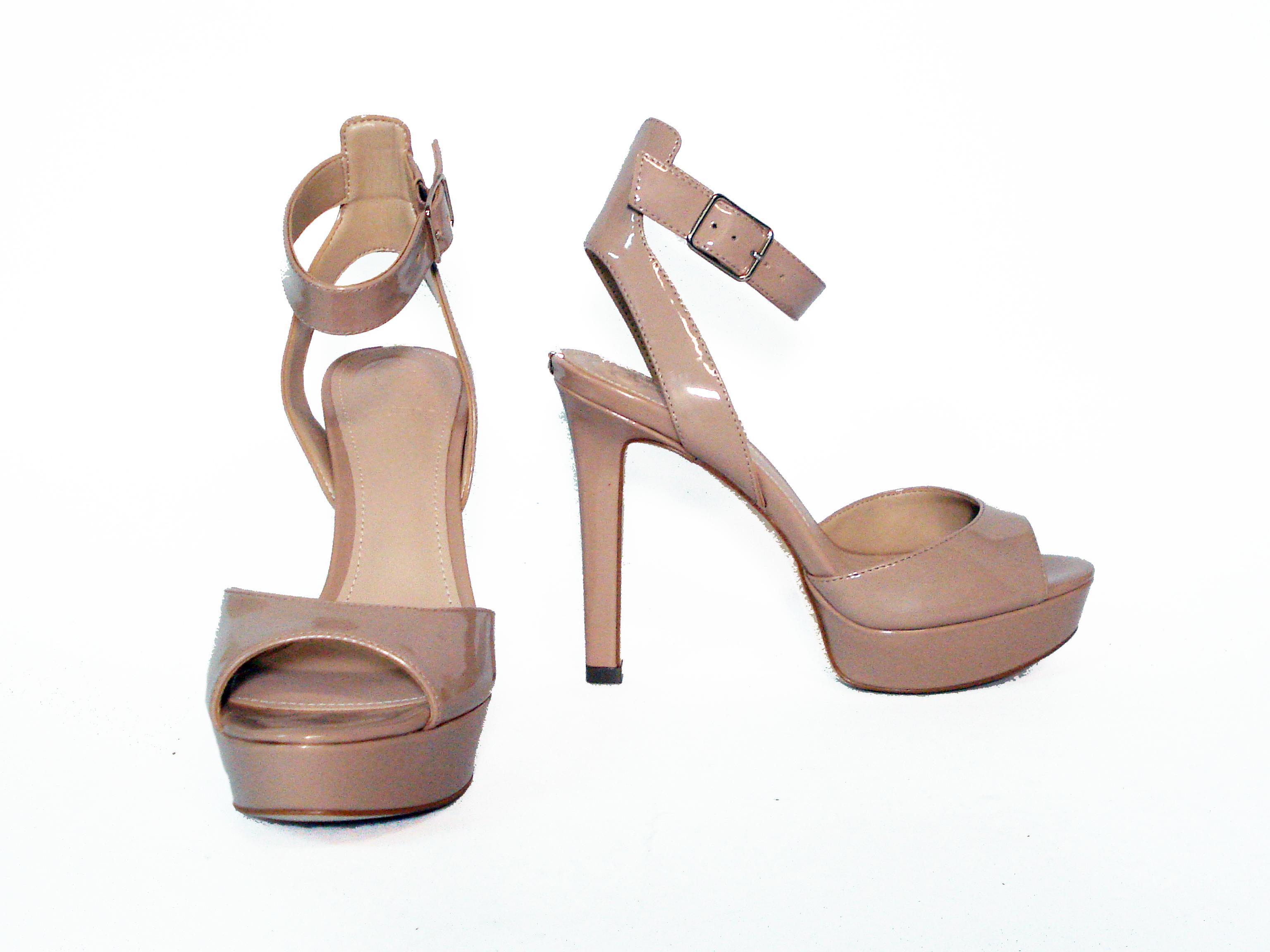 Sandalo spuntato nude Guess