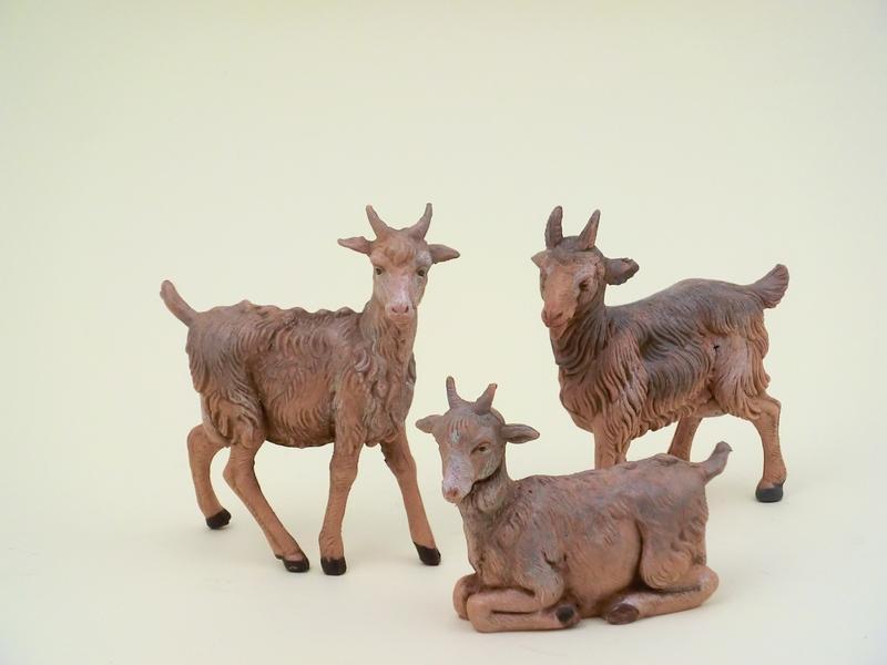 Serie 3 capre adatte a cm. 12