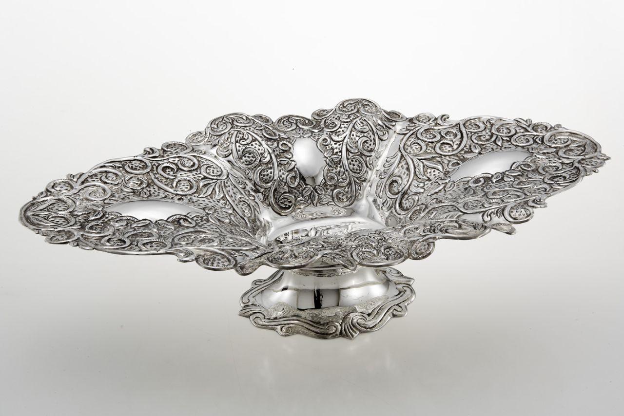 Jatte ovale in argento argentata stile cesellato sheffield cm.49,5x27,5x12,5h