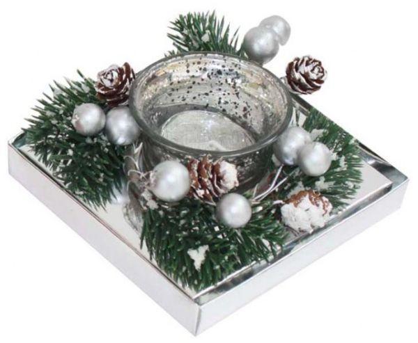 Candela bicchiere argento e rametti di pino