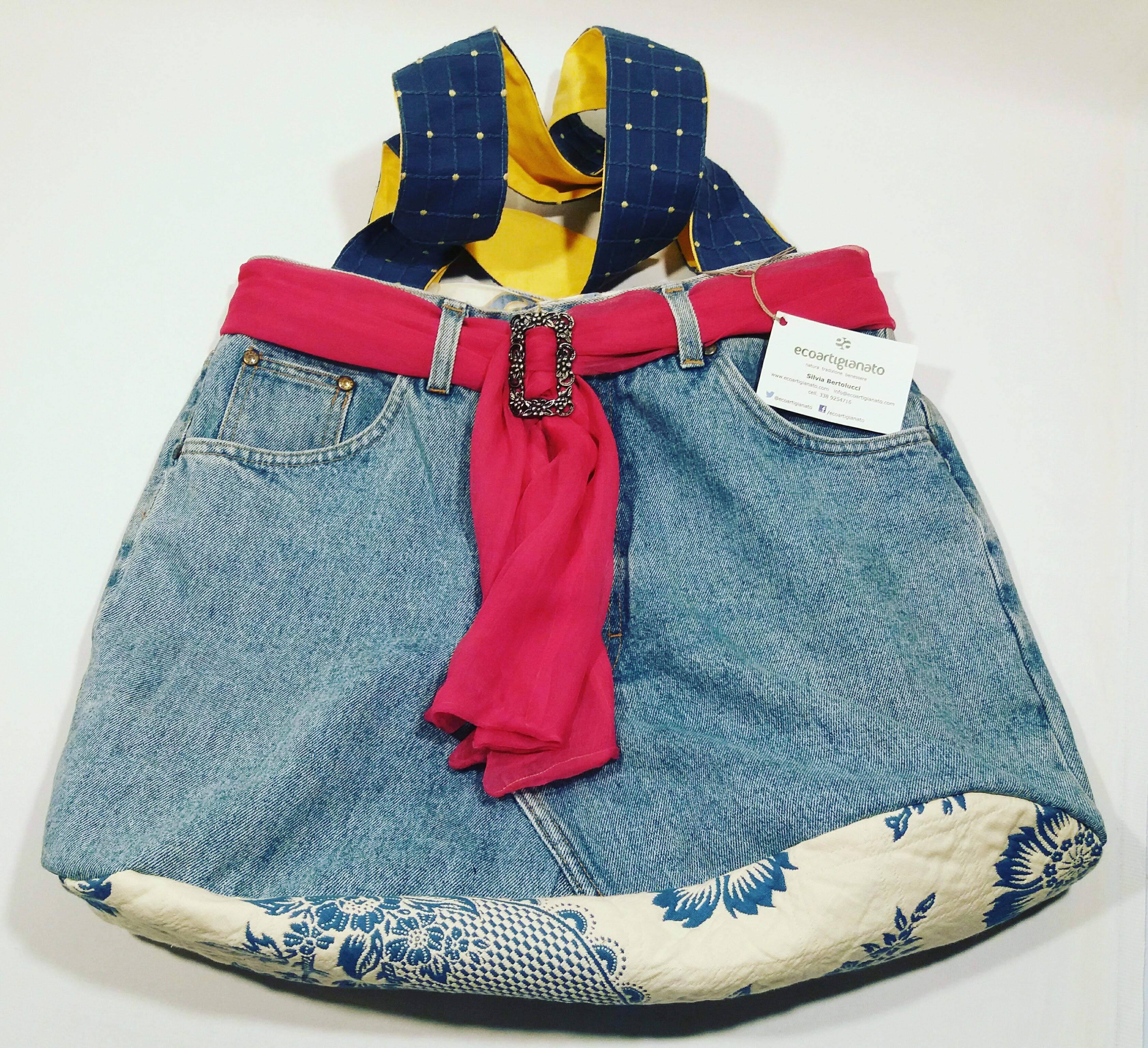 Borsa jeans con fascia fucsia