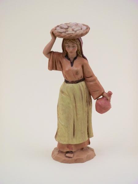 Donna con cesto sulla testa cm 12