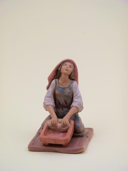 Donna che impasta seduta cm 12