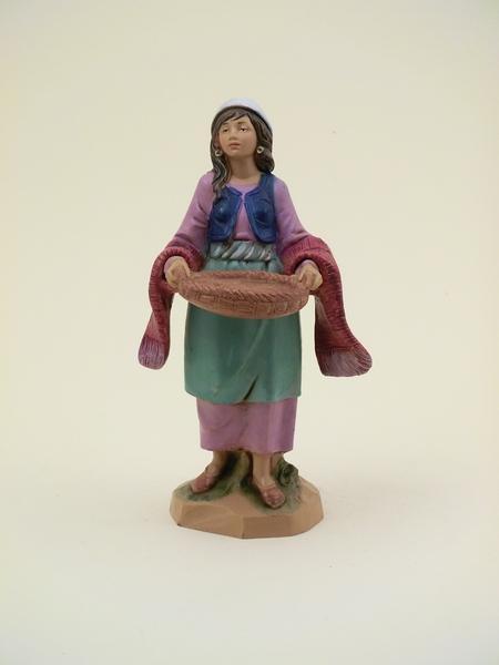 Donna con cesto in mano cm 12