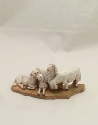 Gruppo di pecore cm 12