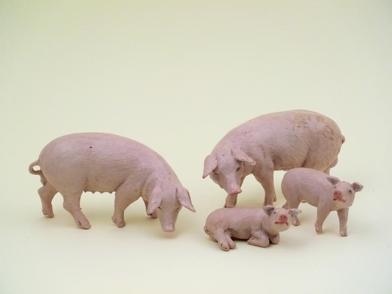 Famiglia maiali cm 12
