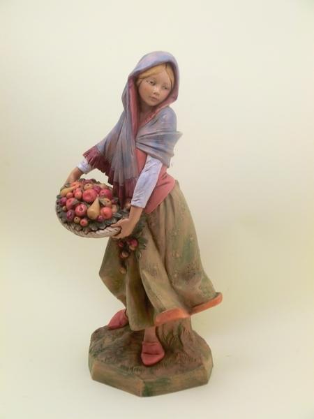 Donna con cesto di frutta cm 30
