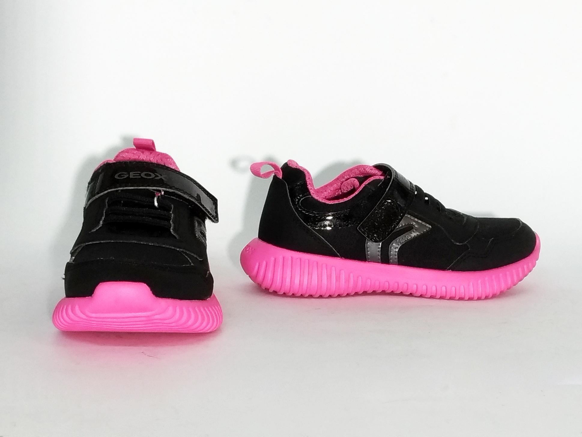 Sneaker nero/fuxia Geox