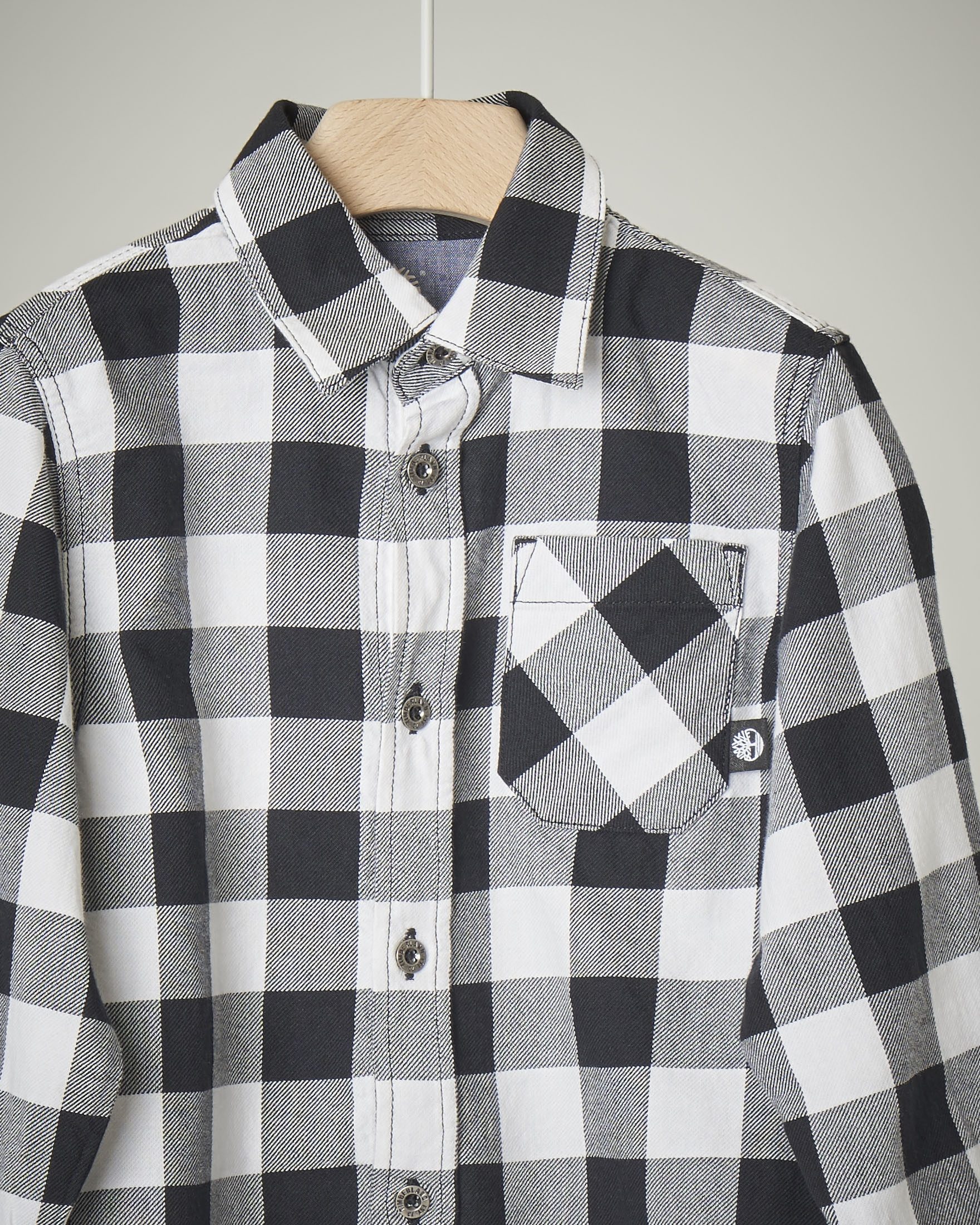 Camicia a quadri bianchi e neri in cotone 2-4