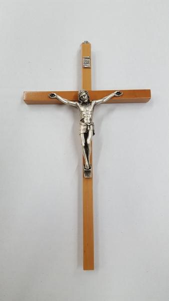 Croce in faggio corpo metallo cm. 24