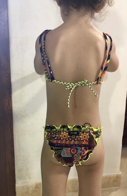 Bikini triangolo bordato e slip fianco Papunya Effek