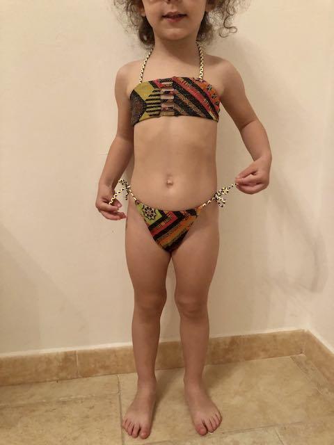 Bikini fascia e slip nodi Papunya Effek 8 e 10 ANNI