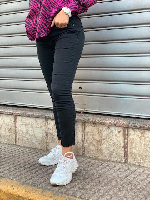 Jeans skinny nero donna Kontatto M