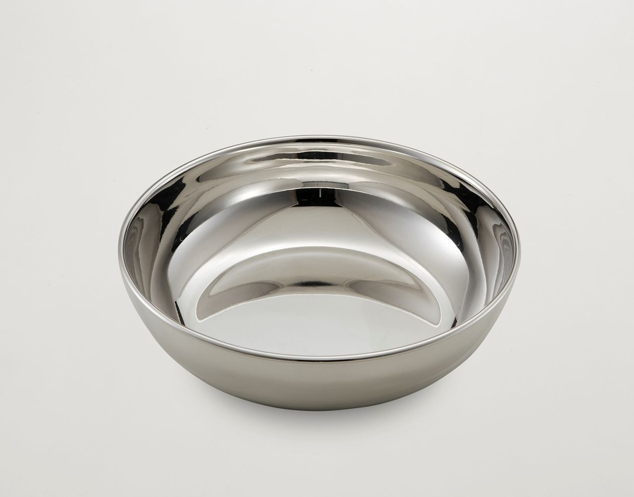 Ciotola tonda liscia in metallo placcato argento