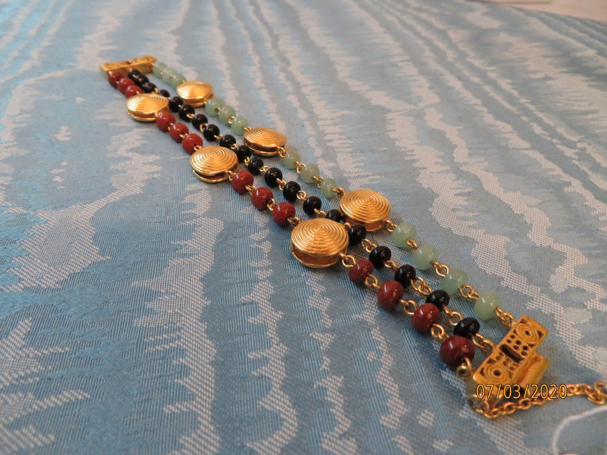 Bracciale Azteco con Spirali di cultura Tayrona della Luis Alberto Cano