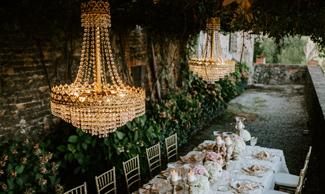 Noleggio lampadari per eventi anche grande formato