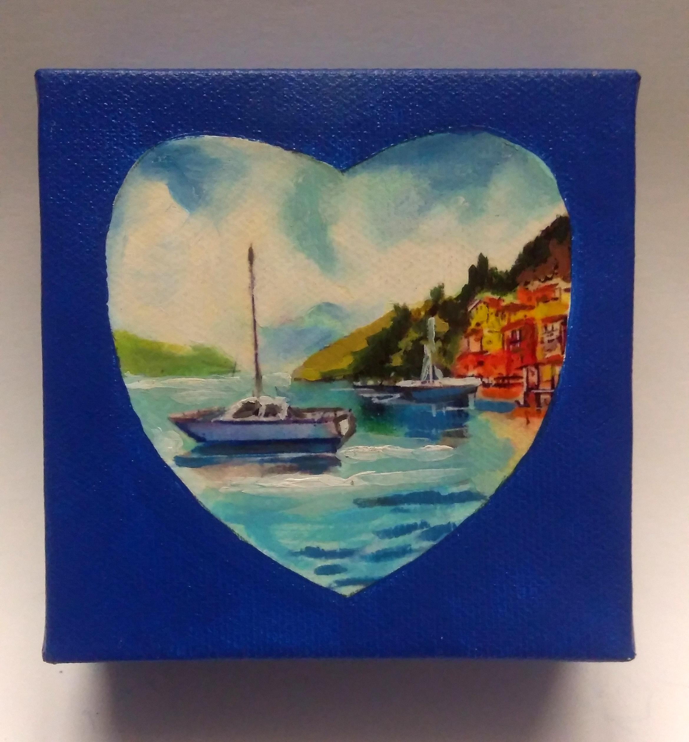 Boat in the bay Heart
