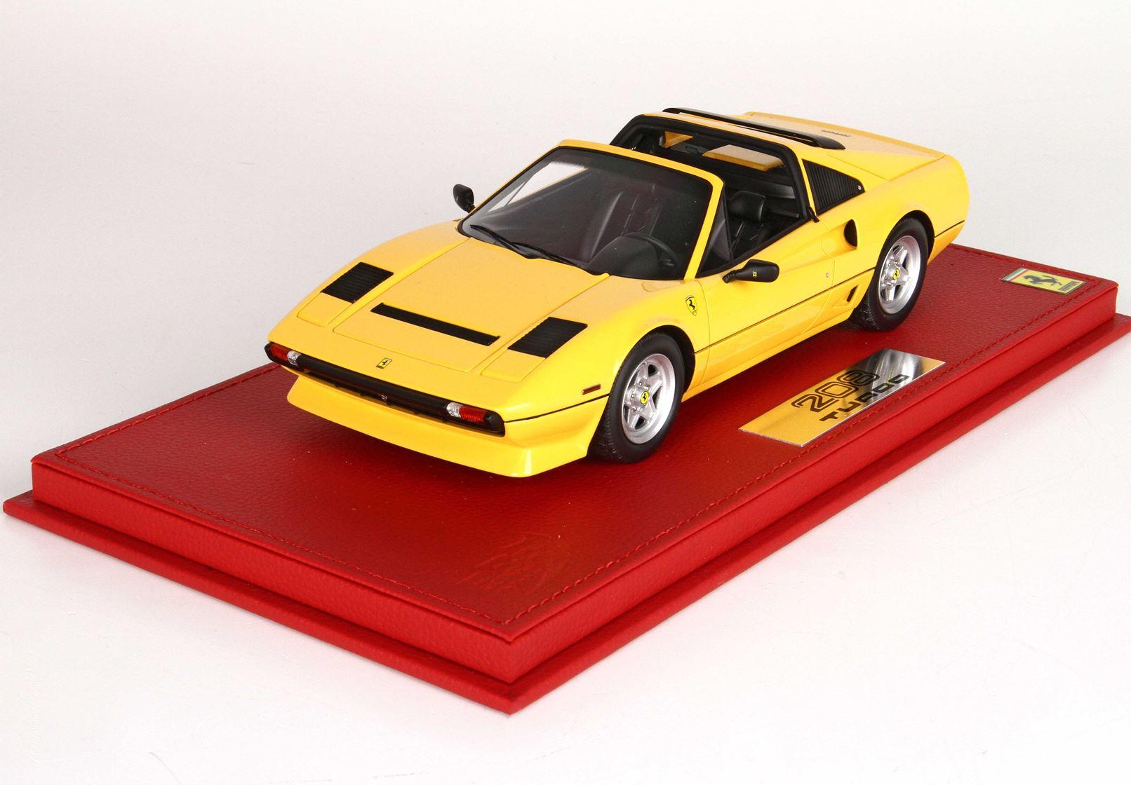 Ferrari 208 Gts Turbo 1983 Giallo Modena With Case Limited 99 Pieces 1/18