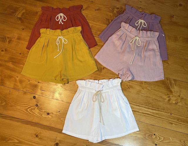 Shorts  arricciati in vita con cordicella