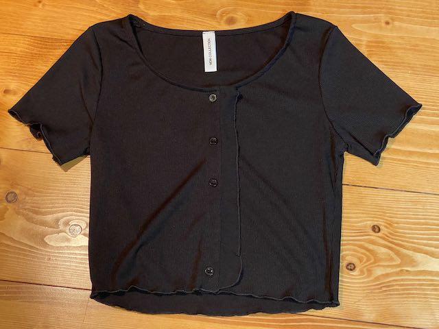 Tshirt o Giacchina costine corta con bottoncini