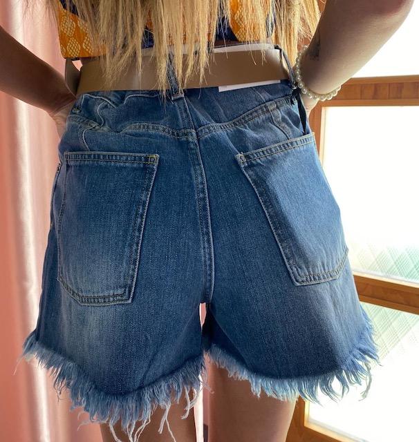 Shorts Jeans sfrangiati  Vicolo