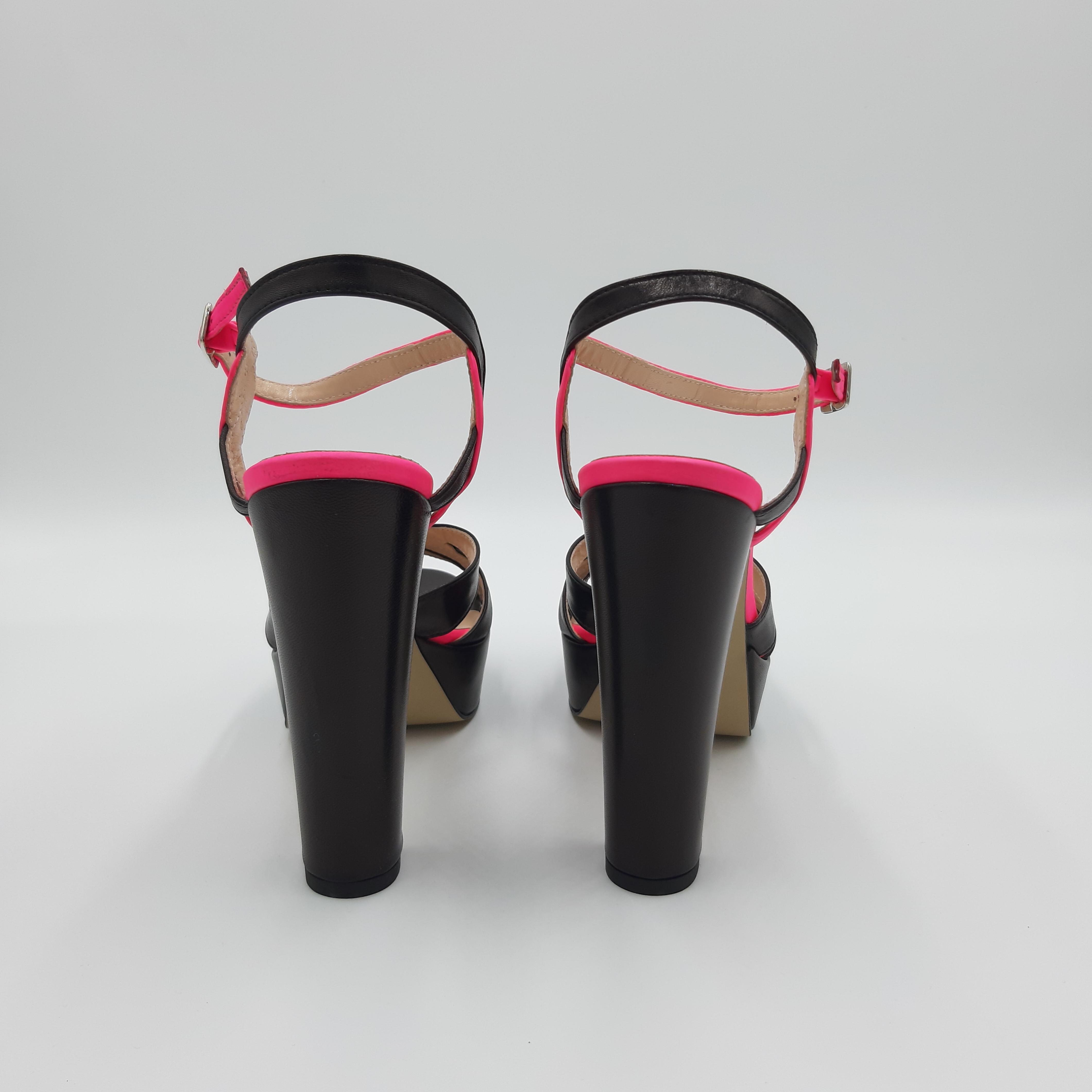 Sandalo tacco plateau nero e fluo Le Marinè