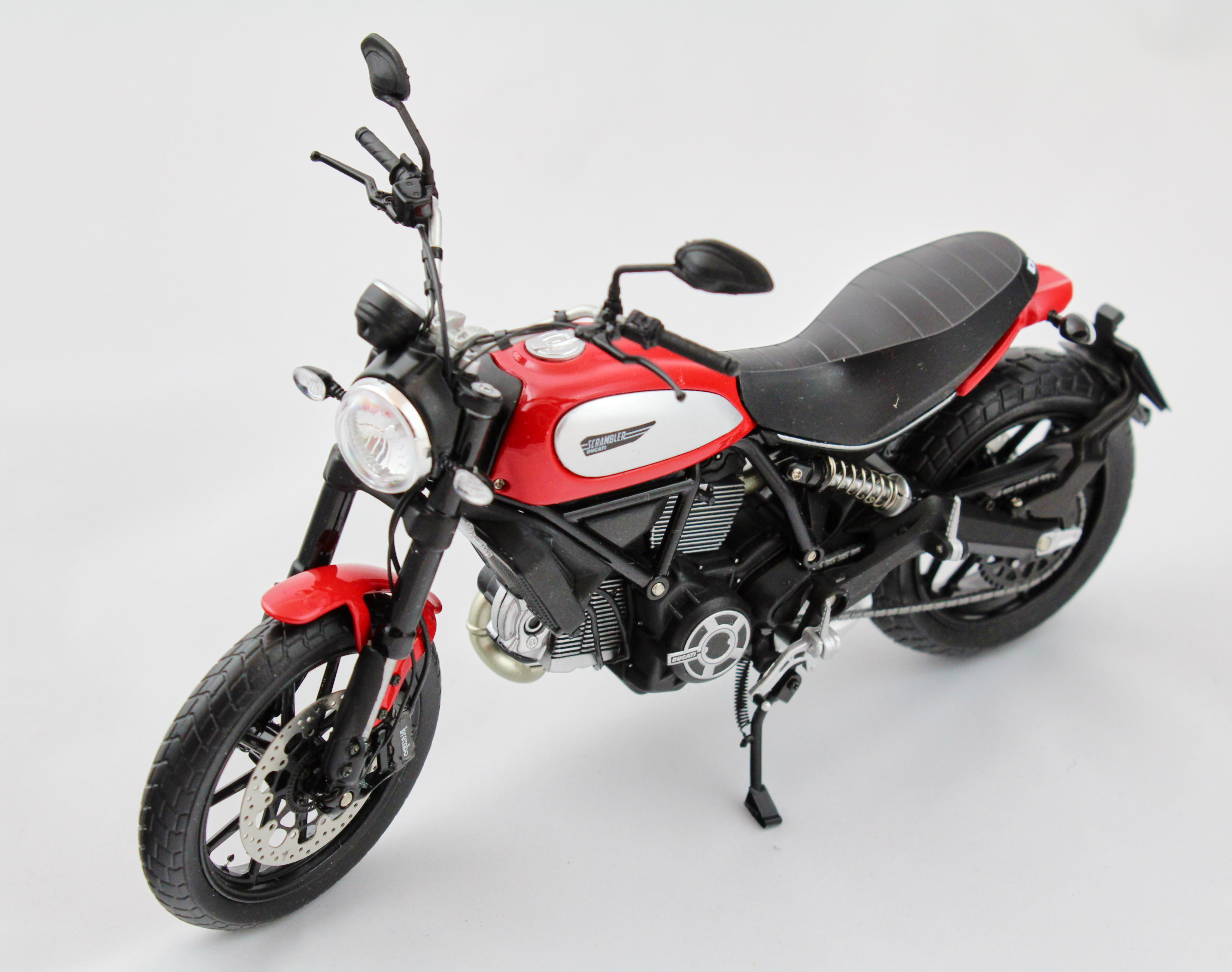 Ducati Scrambler Icon 803cc 2015 Rosso 1/12 TSMModel