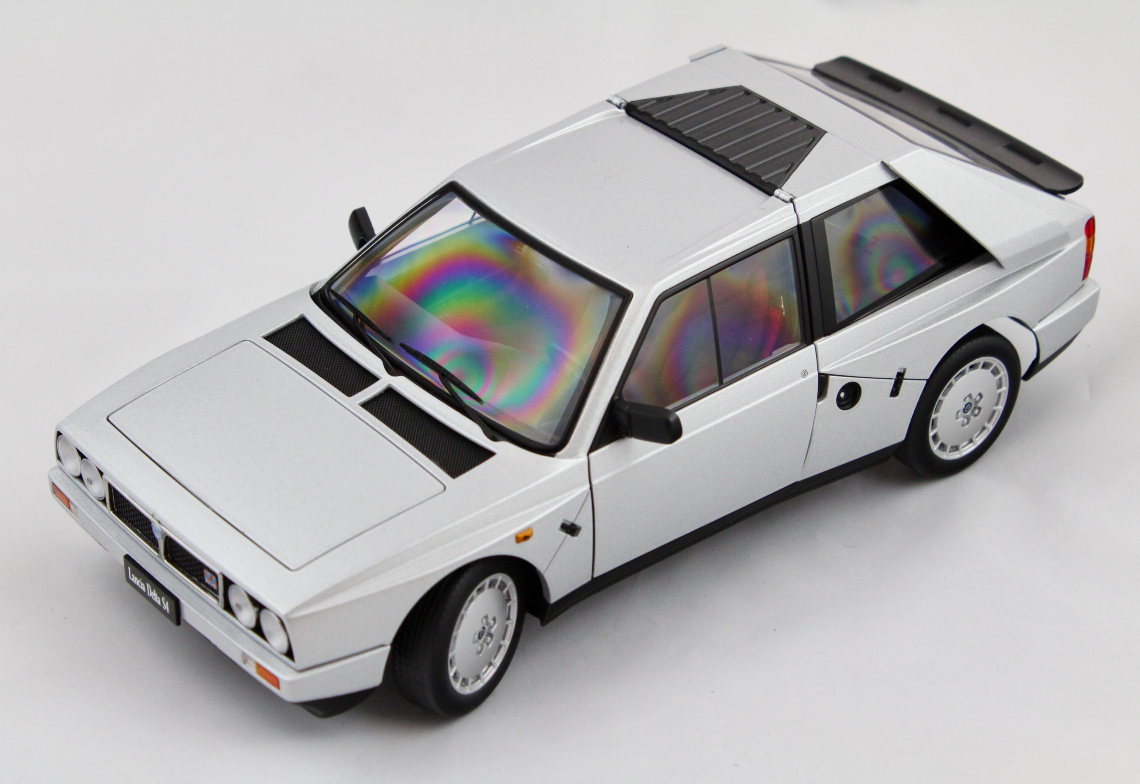 Lancia Delta S4 Grey 1/18 Autoart