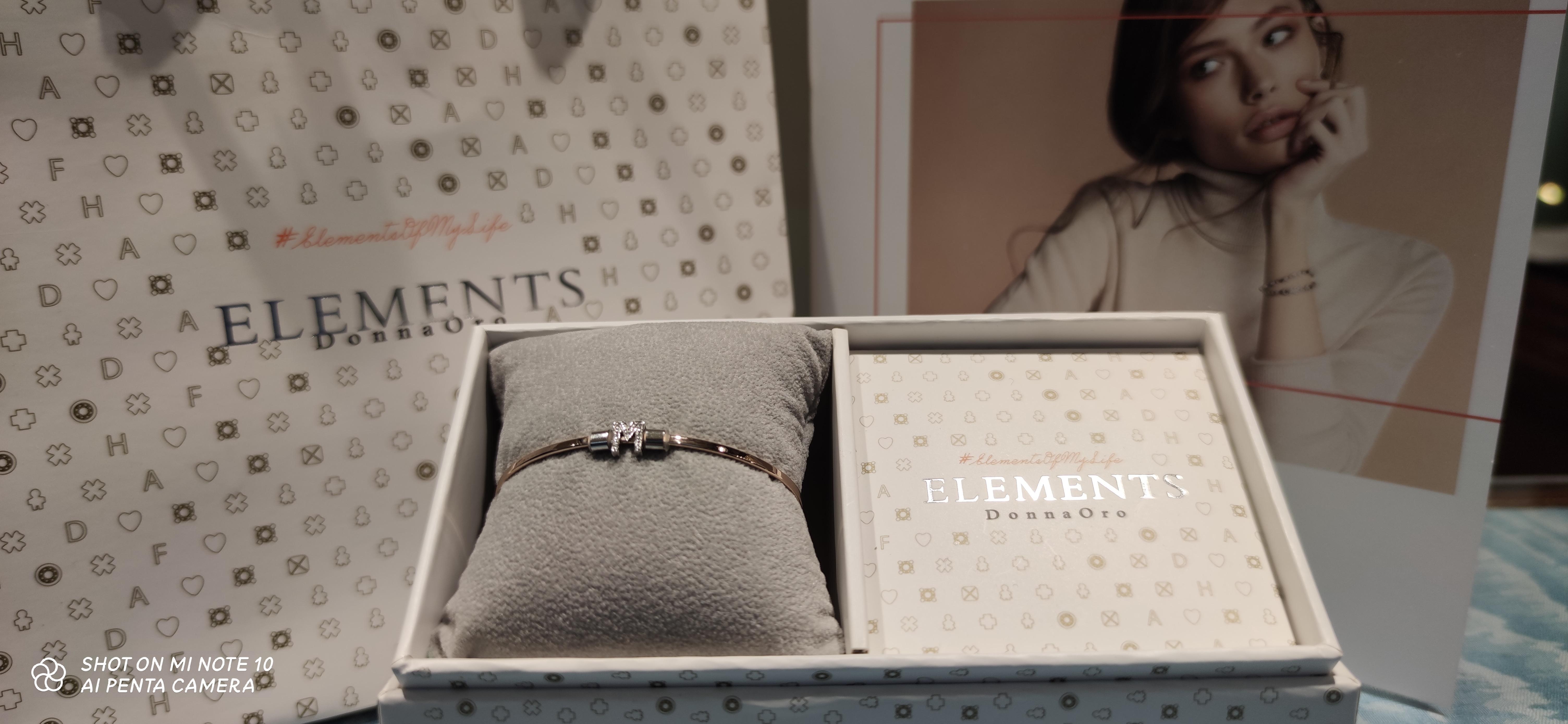 Bracciale Elements Donnaoro con Iniziale M in Oro bianco e diamanti