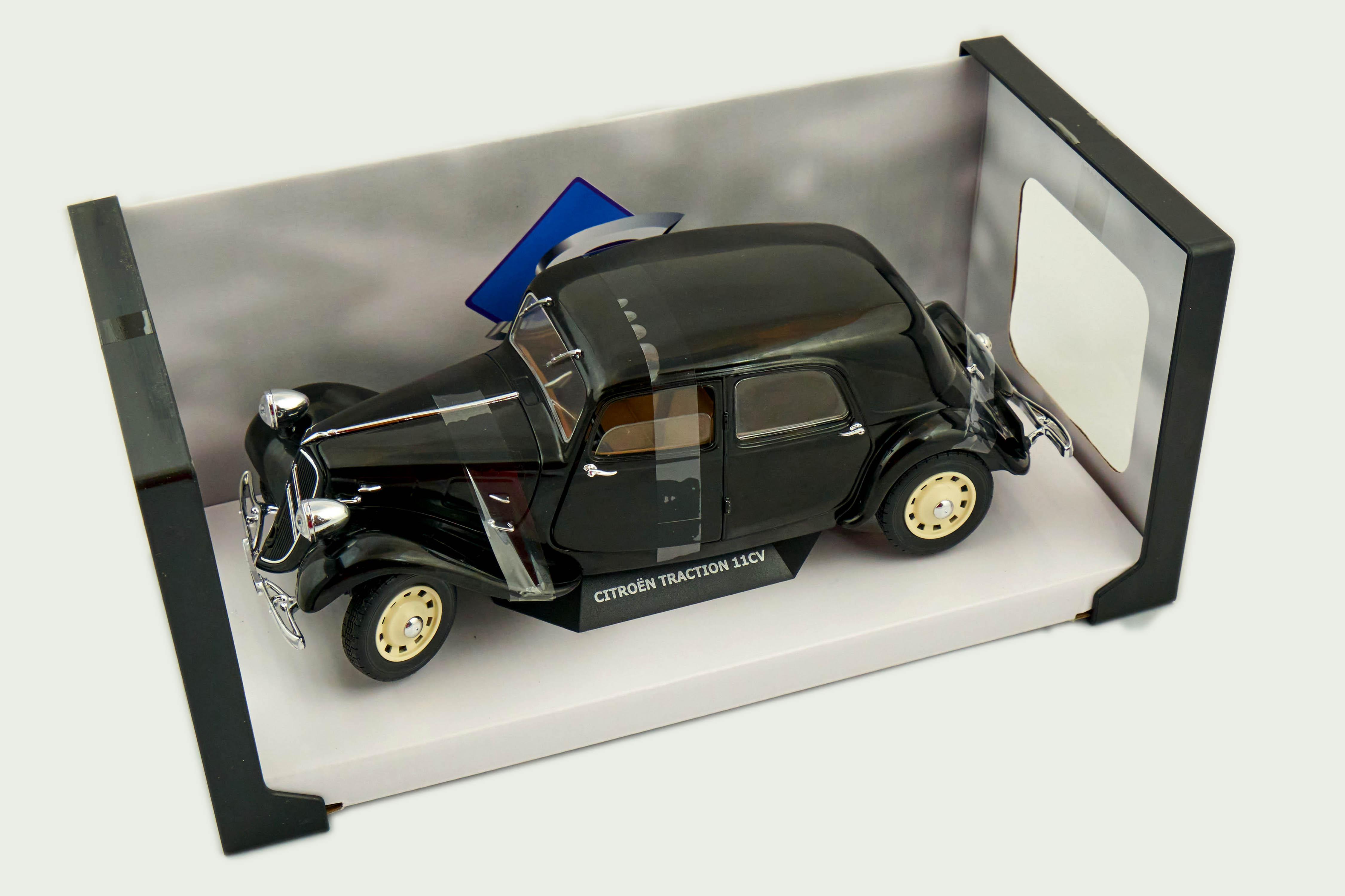 Citroen Traction 11cv Black 1/18 Solido