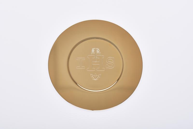 Patena IHS dorata diametro cm. 16,5