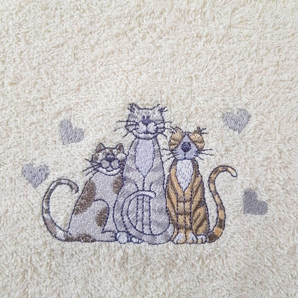 Girella ricamata gattini
