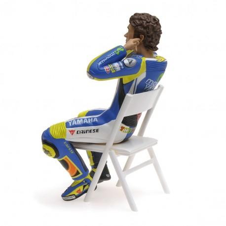 Valentino Rossi Figurine Checking the Ear Plugs Moto GP 2014 1/12