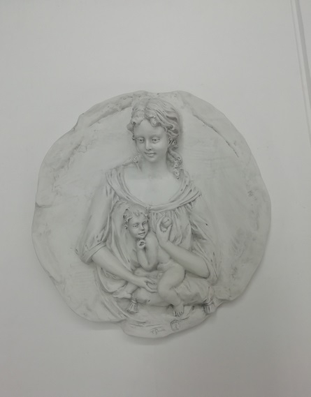 Placca Madonna con Bimbo in Biscuit di Porcellana