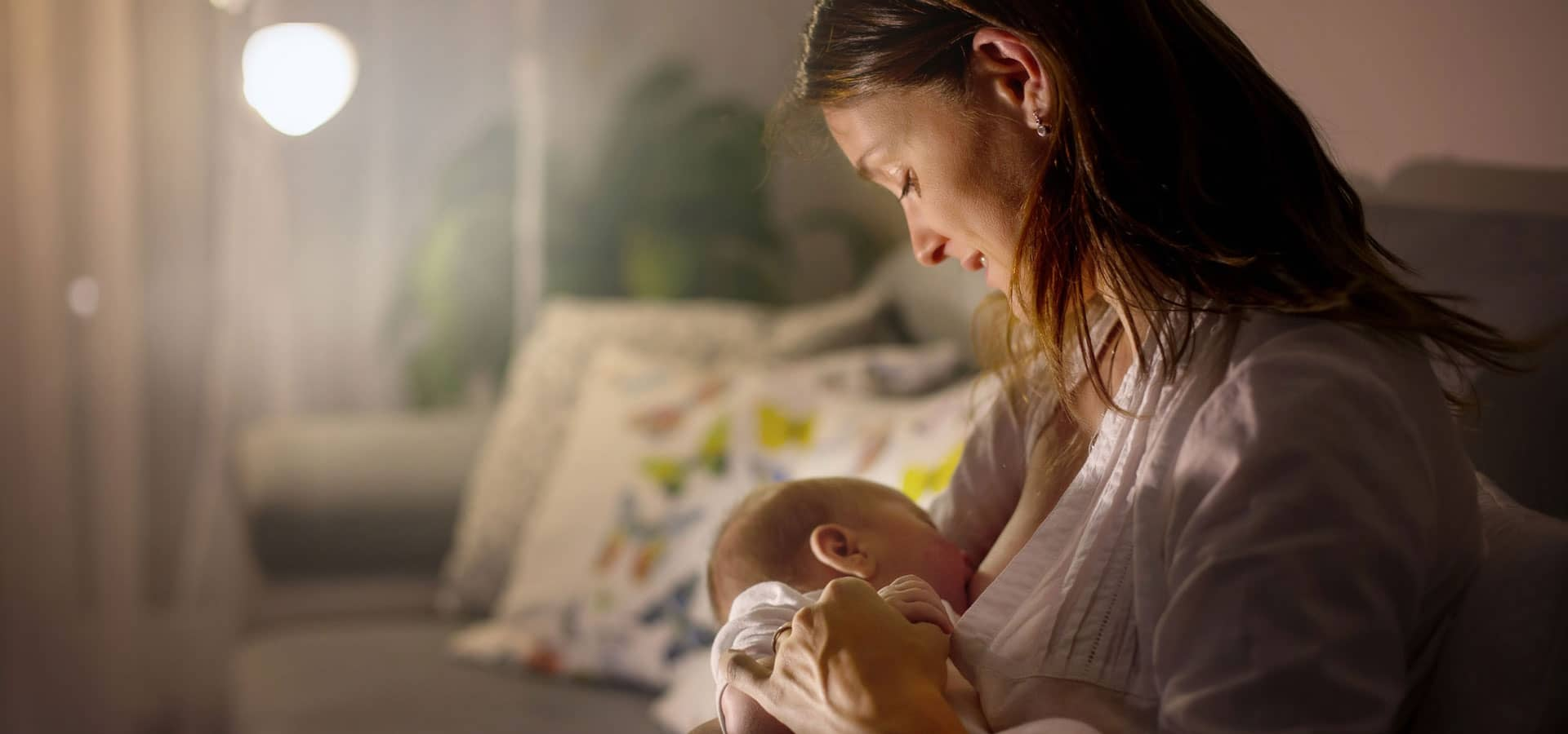 Breastfeeding with silvern nipple caps photo 2