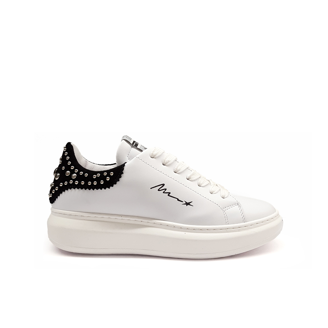 Sneaker bianca/nera con studs Méliné