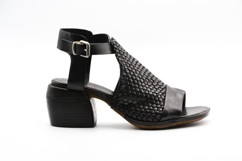 NOVITA' P/E 2021 Rebecca White Calzatura Donna-Savana Vacchetta Black UR0604-V3