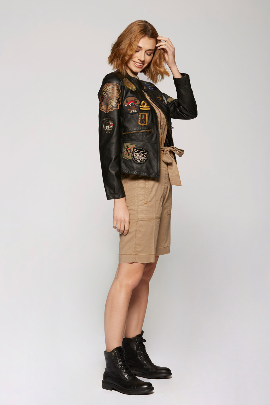 Giacca in pelle con patch 4