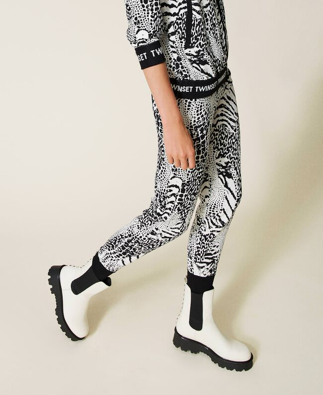 SHOPPING ON LINE TWINSET MILANO PANTALONE JOGGERS IN MAGLIA ANIMALIER CON LOGO NEW COLLECTION PREVIEW FALL WINTER 2022