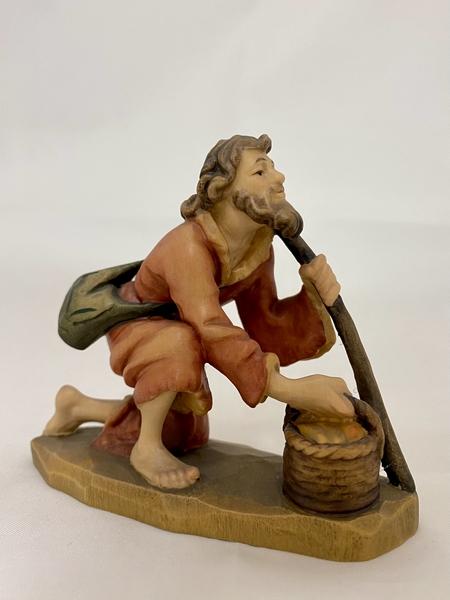 Pastore  inginocchiato con cesto  Fiorentino  cm.12,5