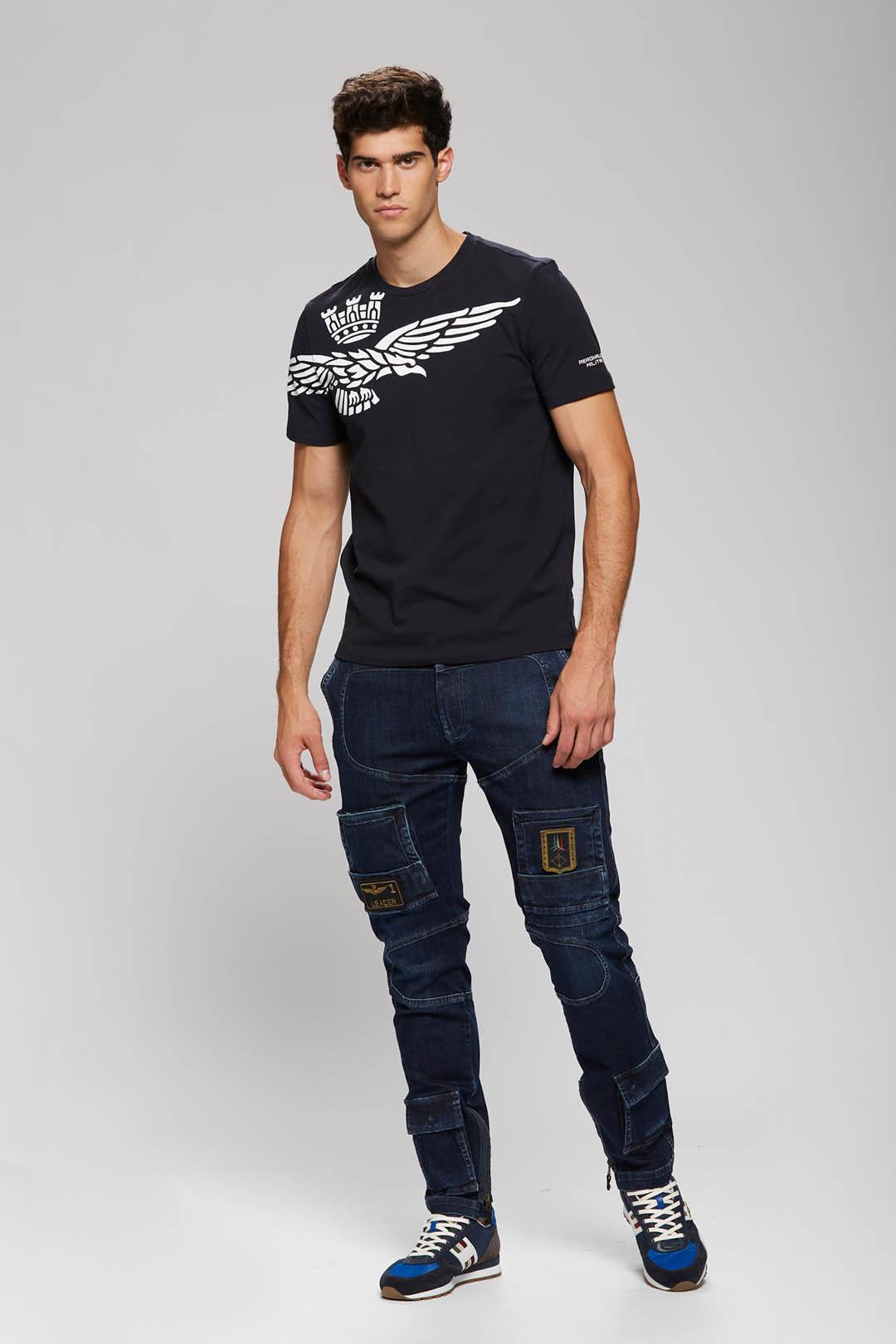 T-Shirt mit Adler Kontrastdruck          4