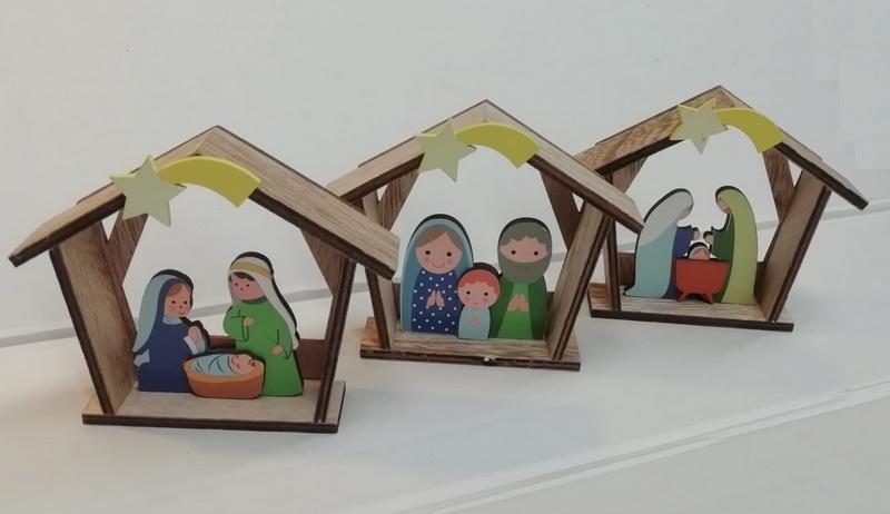 Capanna con Natività in legno