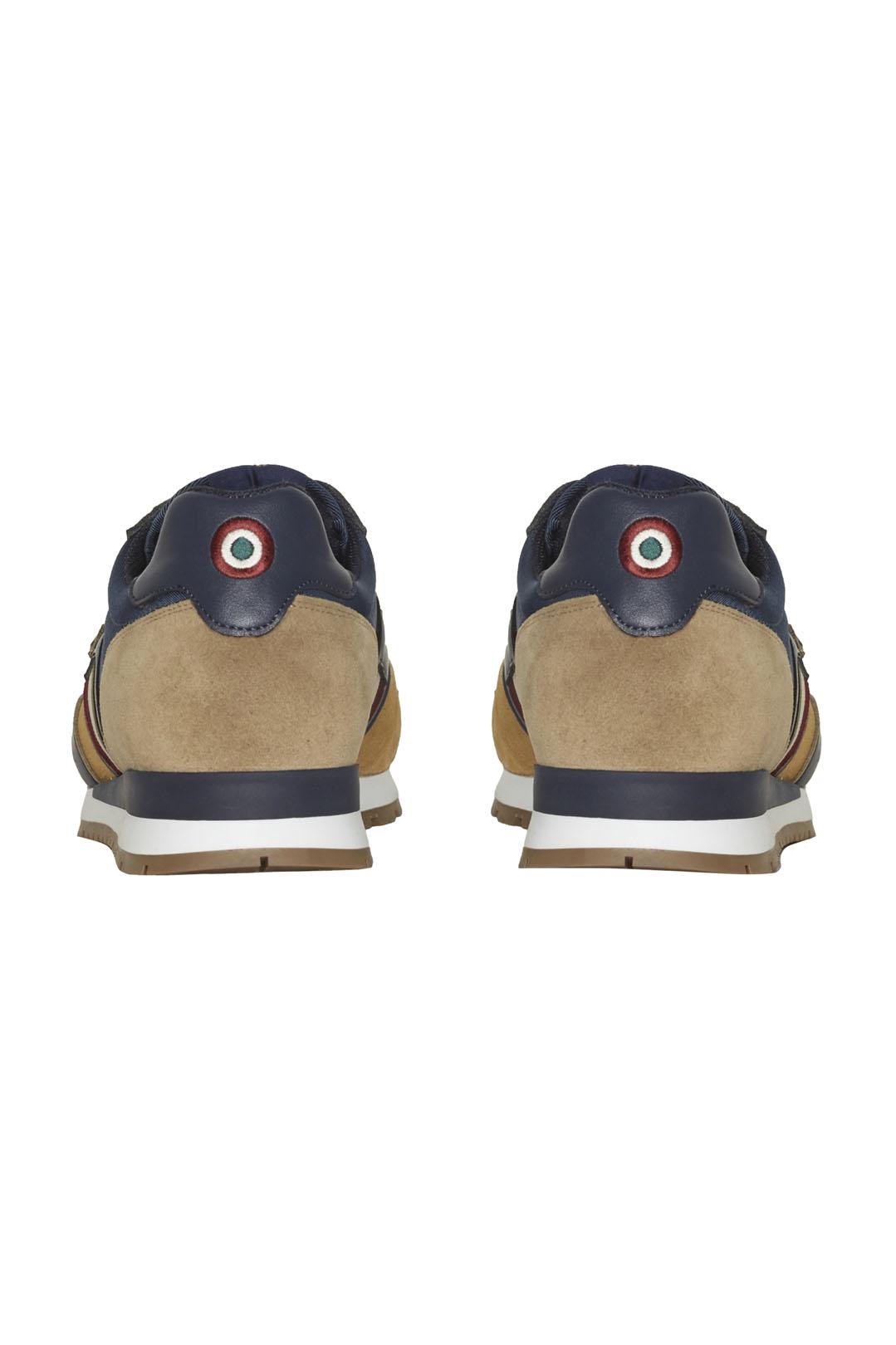 Sneakers mit Trikolor                    3