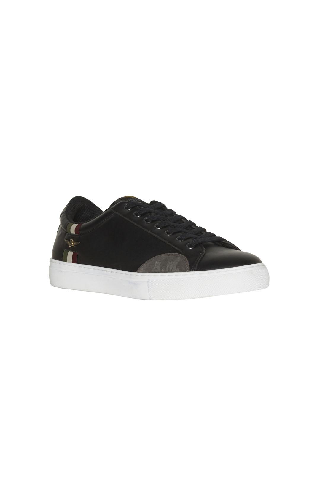 Sneakers avec détail tricolore           1