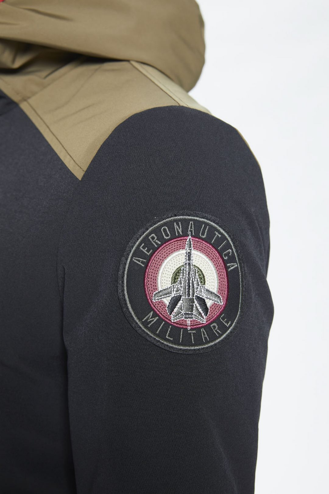 Technical stretch jacket with hood       5