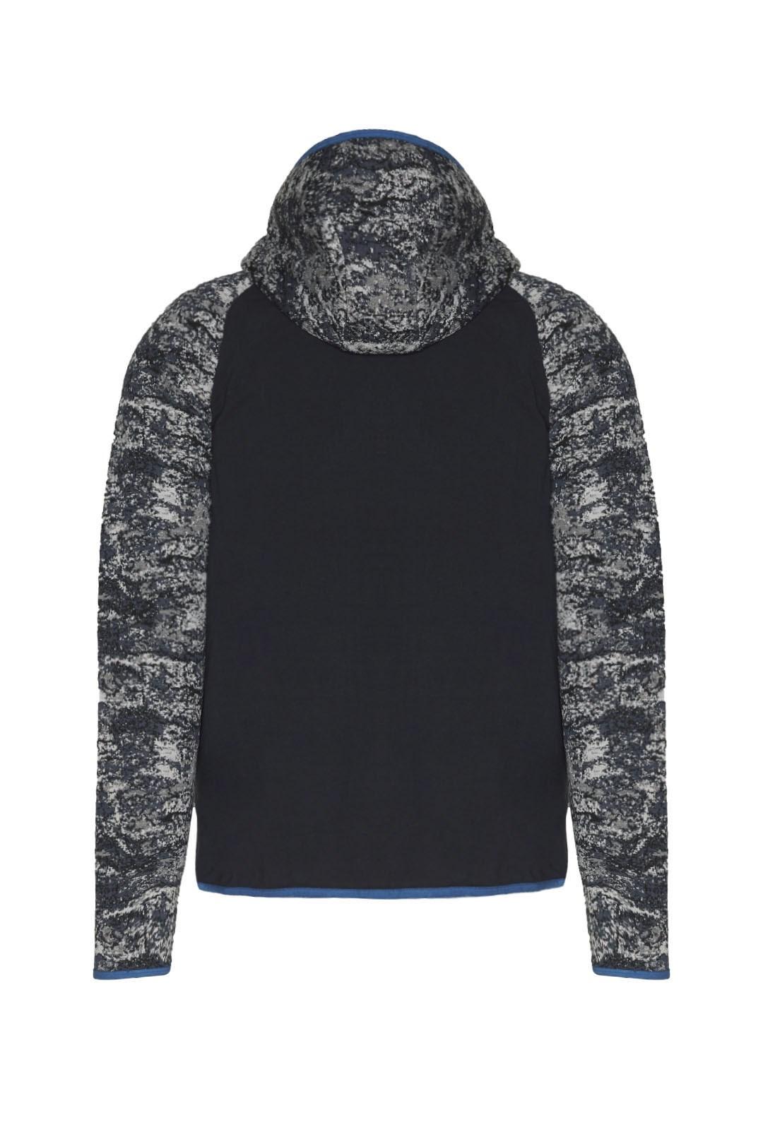 Sweatshirt mit Camouflage-Jacquard       2