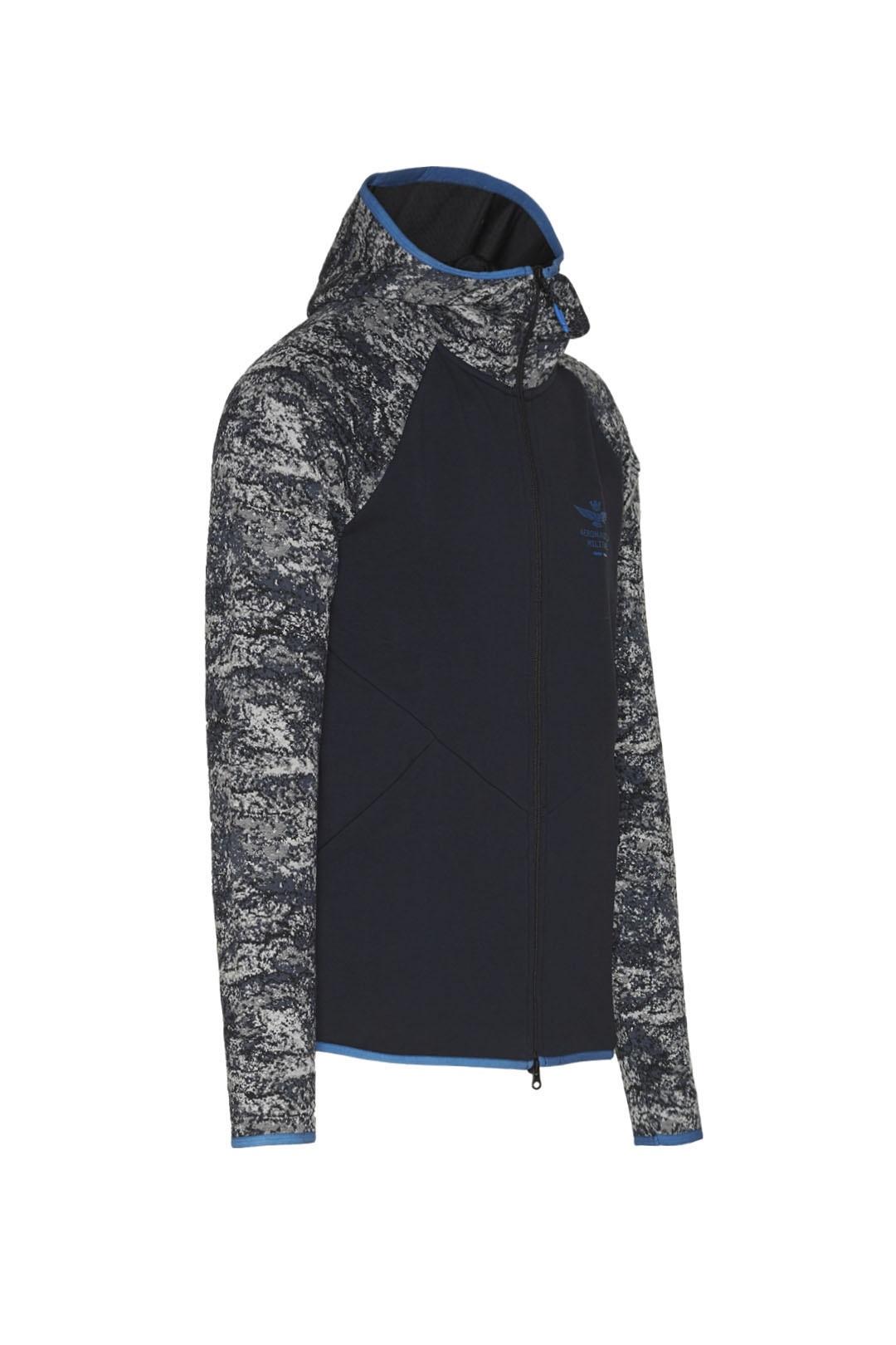 Sweatshirt mit Camouflage-Jacquard       3