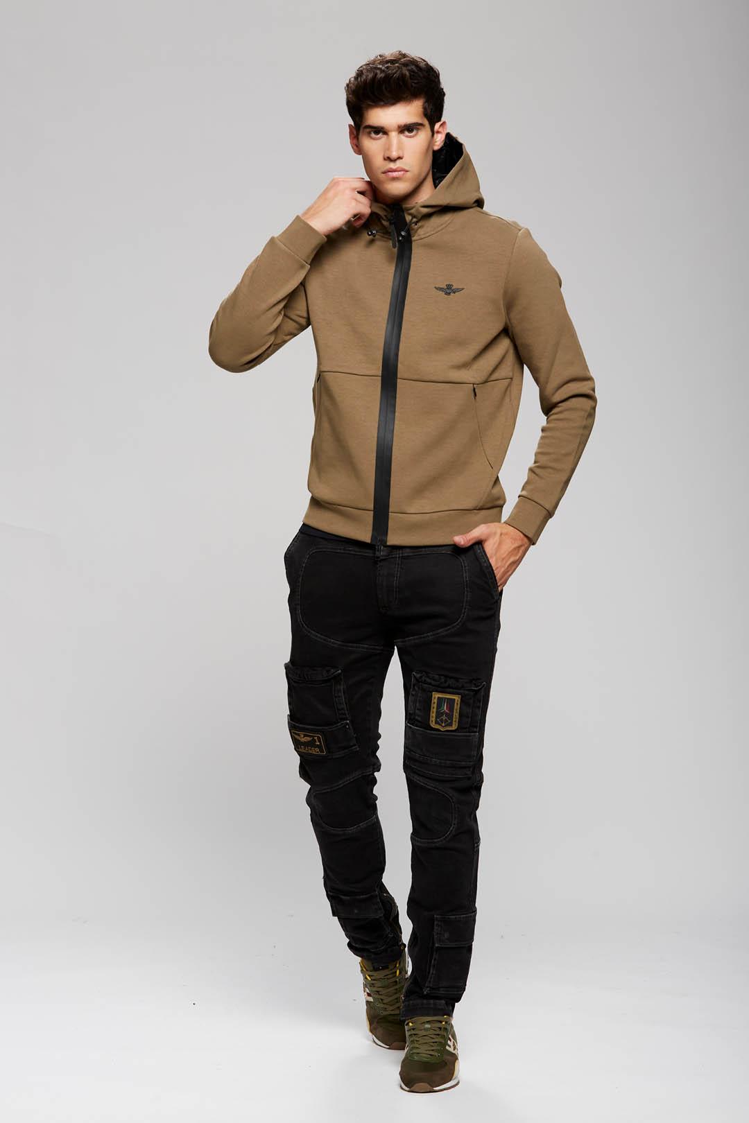 Interlock cotton hooded sweatshirt       4
